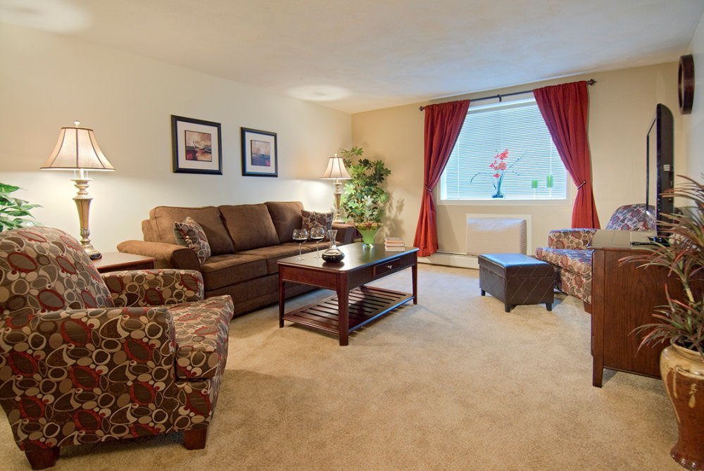 Boston apartments j e realty company quincy and for Appart hotel quincy